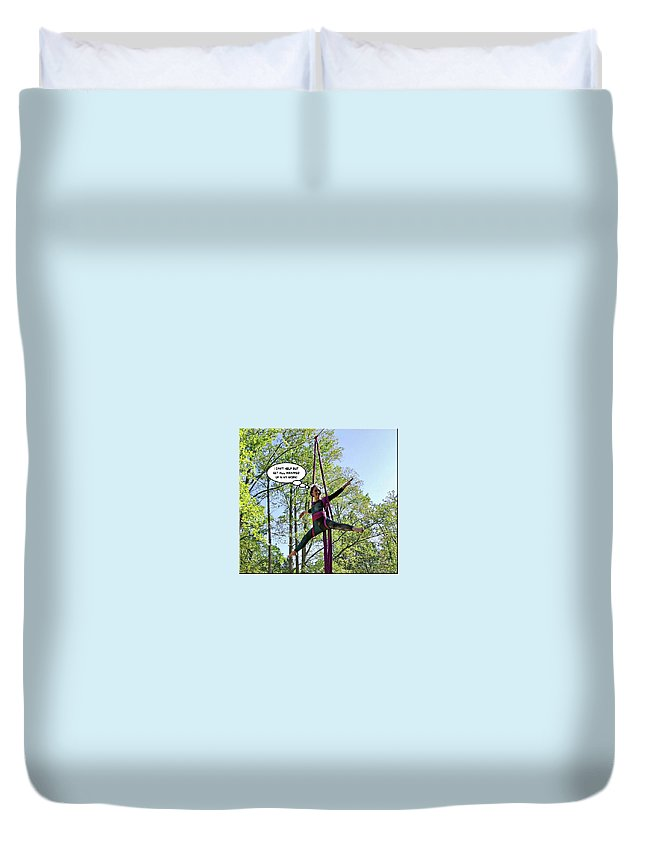 2d Duvet Cover featuring the photograph Hang In There by Brian Wallace