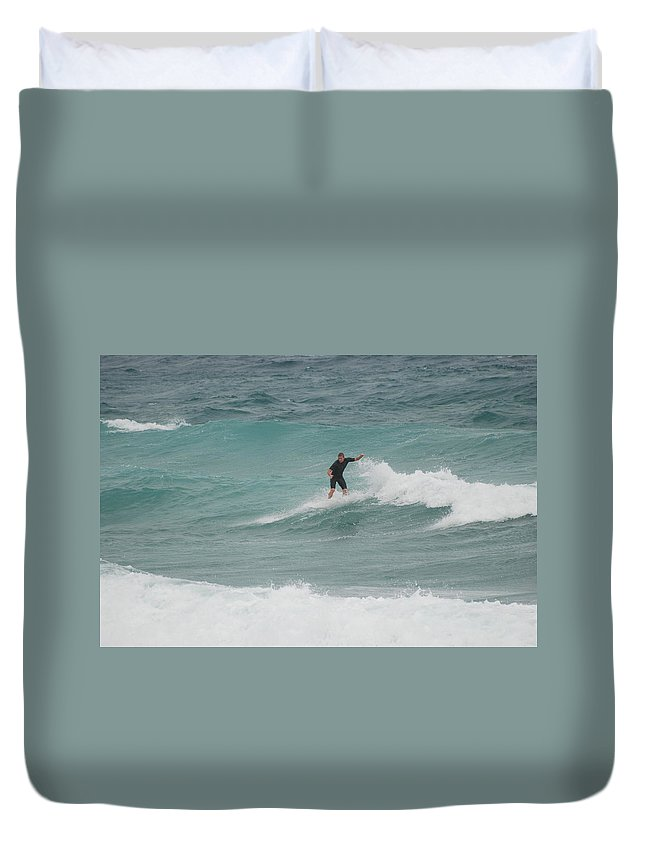 Water Duvet Cover featuring the photograph Hanging Ten by Rob Hans