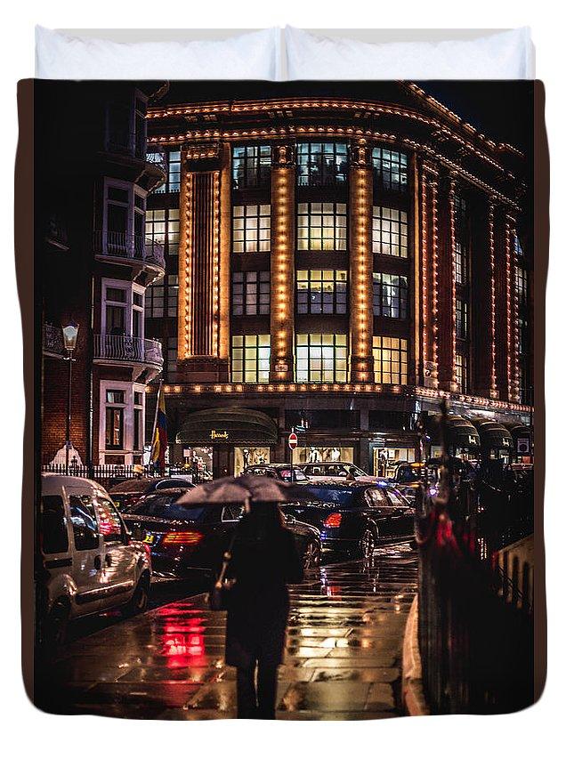 London Duvet Cover featuring the photograph Hans Crescent by Matt Malloy
