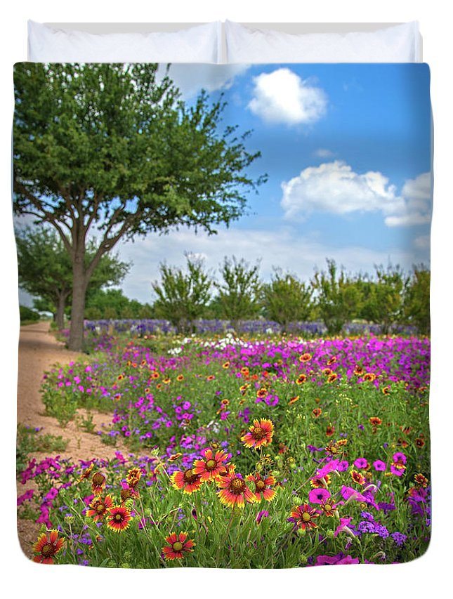 Wildflowers Duvet Cover featuring the photograph Happy Trail At The Farm by Lynn Bauer