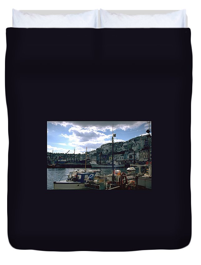 Great Britain Duvet Cover featuring the photograph Harbor II by Flavia Westerwelle