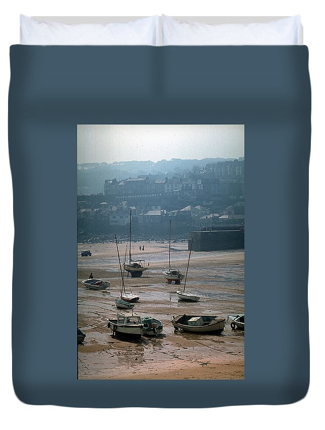 Great Britain Duvet Cover featuring the photograph Harbor IIi by Flavia Westerwelle