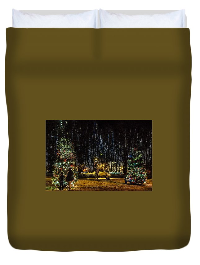 Harding University Duvet Cover featuring the photograph Harding Christmas Postcard by Rod Cuellar