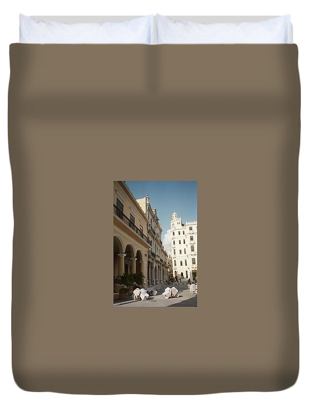 Photo Duvet Cover featuring the photograph Havana Vieja by Quin Sweetman
