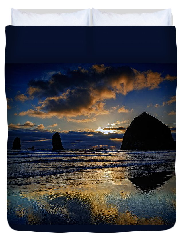 Oregon Duvet Cover featuring the photograph Haystack Sunset by Rick Berk