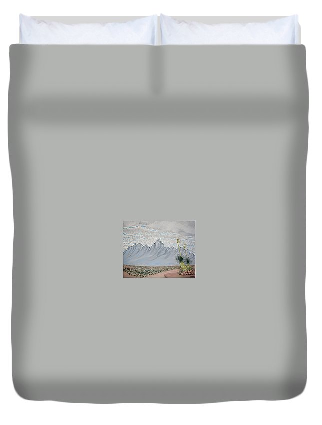 Desertscape Duvet Cover featuring the painting Hazy Desert Day by Marco Morales