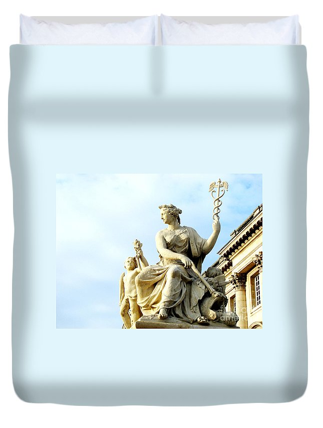 Statues Duvet Cover featuring the photograph Healing by Amanda Barcon
