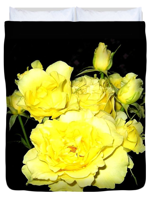 Roses Duvet Cover featuring the photograph Heaven Scent by Will Borden