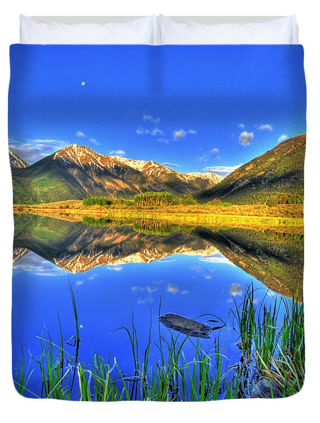 Mountains Duvet Cover featuring the photograph Heavenly by Scott Mahon