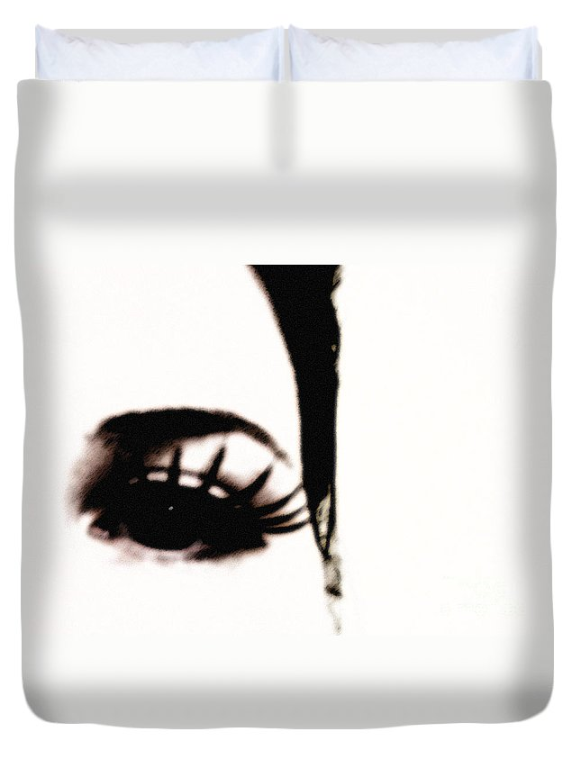 Eye Duvet Cover featuring the photograph Hello by Amanda Barcon