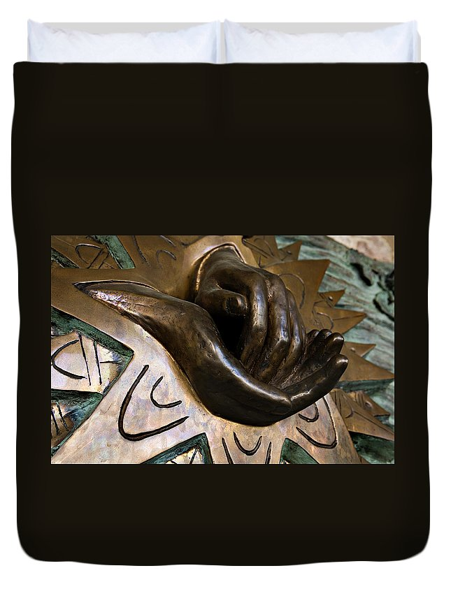 Italy Duvet Cover featuring the photograph Helping Hands by Marilyn Hunt