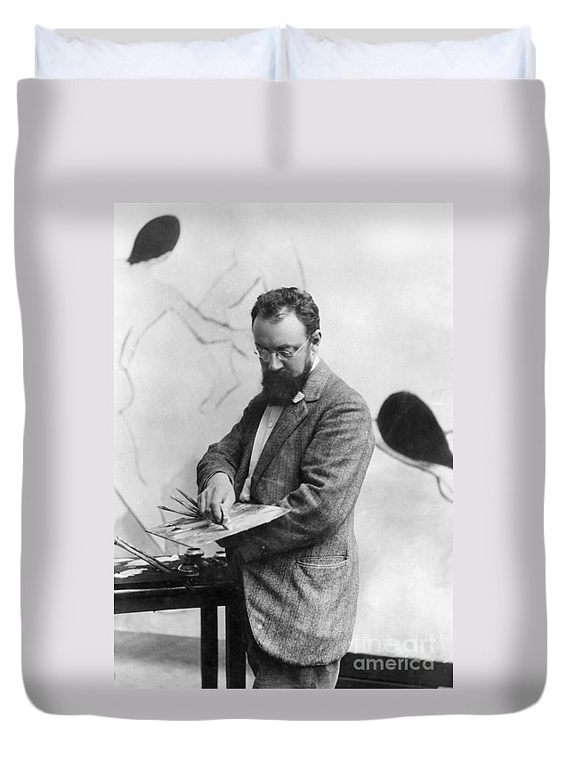 19th Century Duvet Cover featuring the photograph Henri Matisse (1869-1954) by Granger