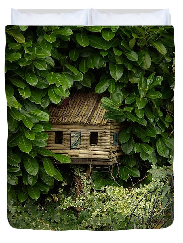 Hide Duvet Cover featuring the photograph Hidden Birdhouse by Cindy Johnston