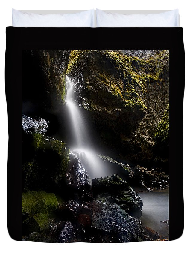 Waterfall Duvet Cover featuring the photograph Hidden Falls by Mike Dawson