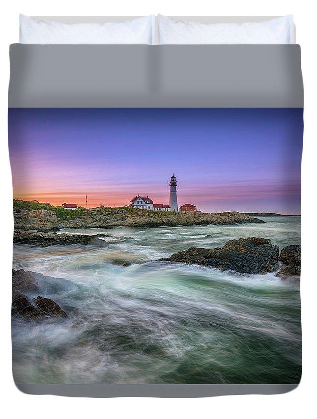 Portland Head Lighthouse Duvet Cover featuring the photograph High Tide At Portland Head Lighthouse by Rick Berk