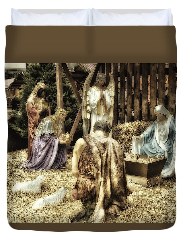 Xmas Duvet Cover featuring the photograph Holiday Christmas Manger Pa 02 by Thomas Woolworth