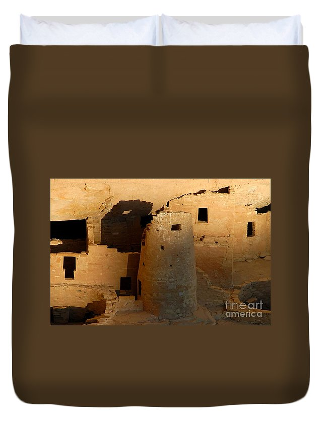 Anasazi Duvet Cover featuring the photograph Home Of The Anasazi by David Lee Thompson