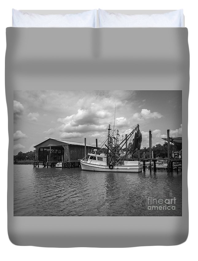 Mccellanville Duvet Cover featuring the photograph Home Port by Dale Powell
