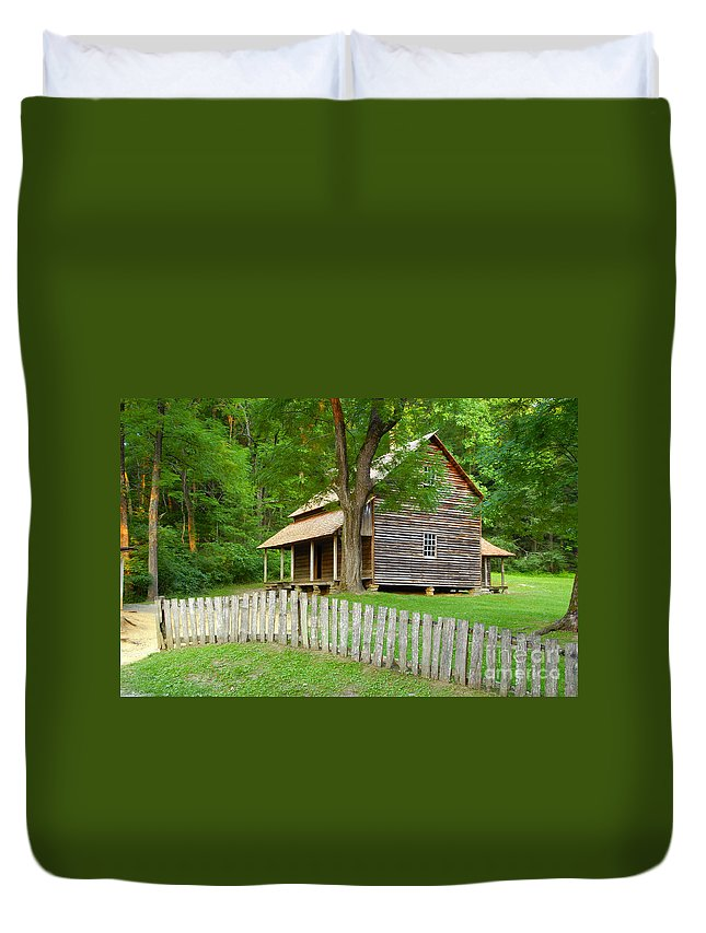 Home Duvet Cover featuring the photograph Homestead by David Lee Thompson