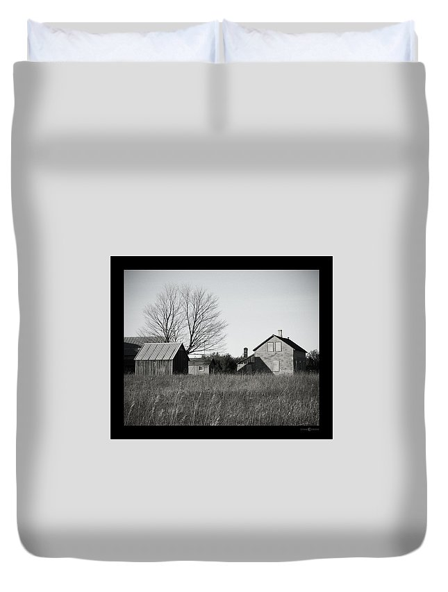 Deserted Duvet Cover featuring the photograph Homestead by Tim Nyberg