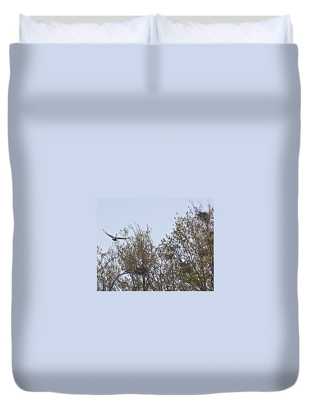 Herron Duvet Cover featuring the photograph Honey I'm Home by Gary Adkins