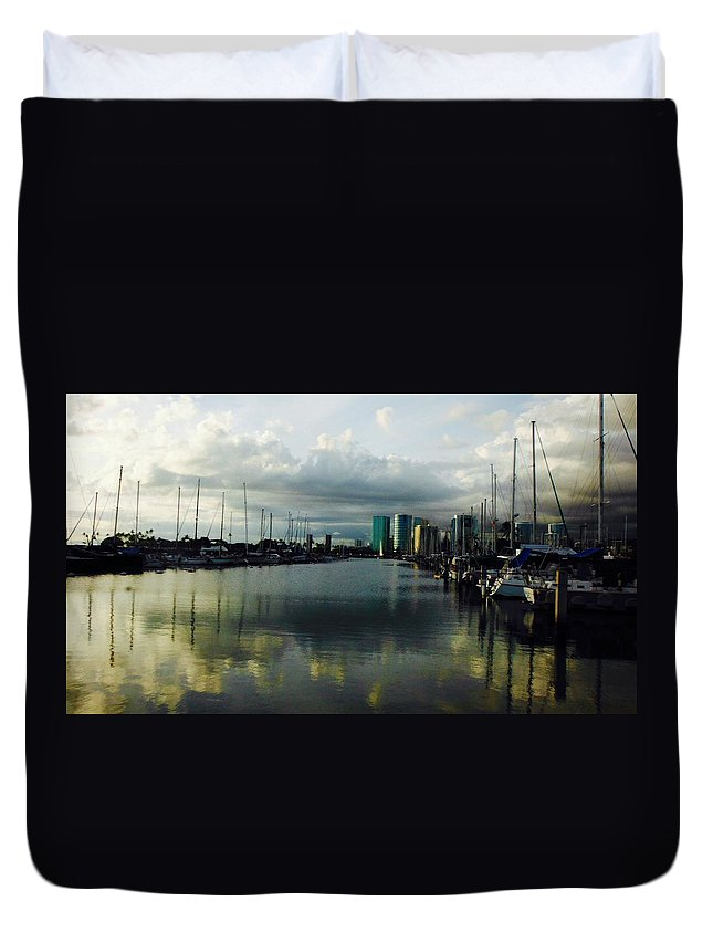 Sunset Duvet Cover featuring the photograph Honolulu Harbor Sunset by Barbara Pratt