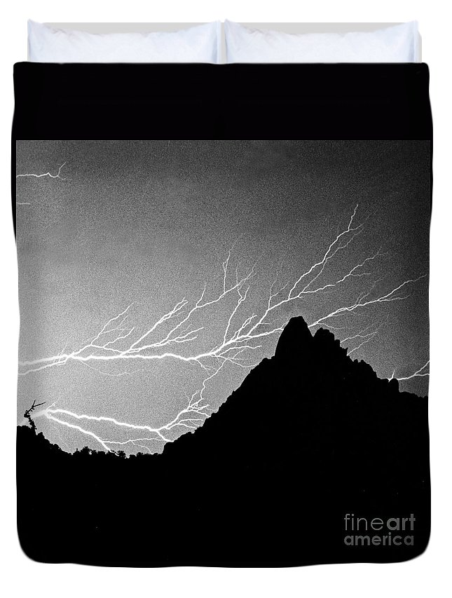 Lightning Duvet Cover featuring the photograph Horizonal Lightning Bw by James BO Insogna