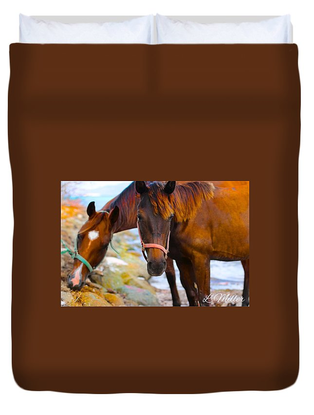 Landscape Duvet Cover featuring the photograph Horses On Jost by Leon Miller