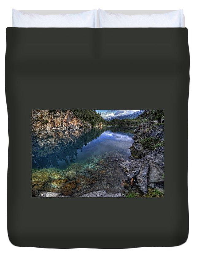 Lake Duvet Cover featuring the photograph Horseshoe Lake by Wayne Sherriff
