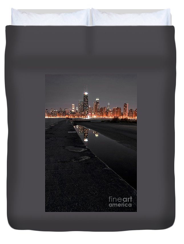 America Duvet Cover featuring the photograph Chicago Hot City At Night by Bruno Passigatti