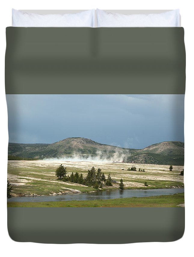 Geyser Duvet Cover featuring the photograph Hot Time by Linda Kerkau