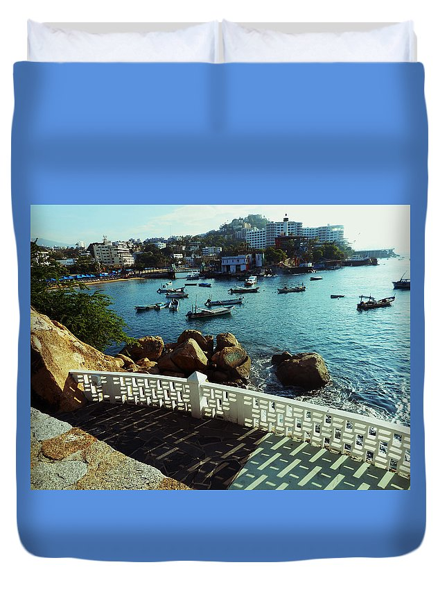 Acapulco Duvet Cover featuring the photograph Hotel Boca Chica 3 by Ron Kandt