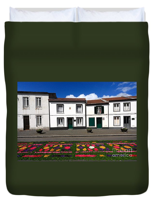 Azores Duvet Cover featuring the photograph Houses In The Azores by Gaspar Avila