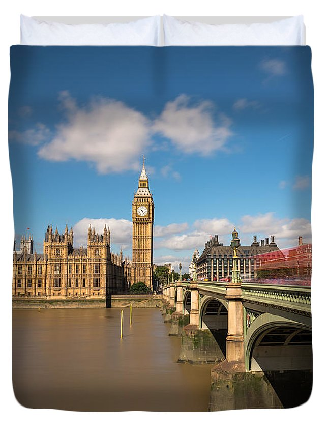 Copy Space Duvet Cover featuring the photograph Houses Of Parliament And Westminster Bridge by Travel and Destinations - By Mike Clegg