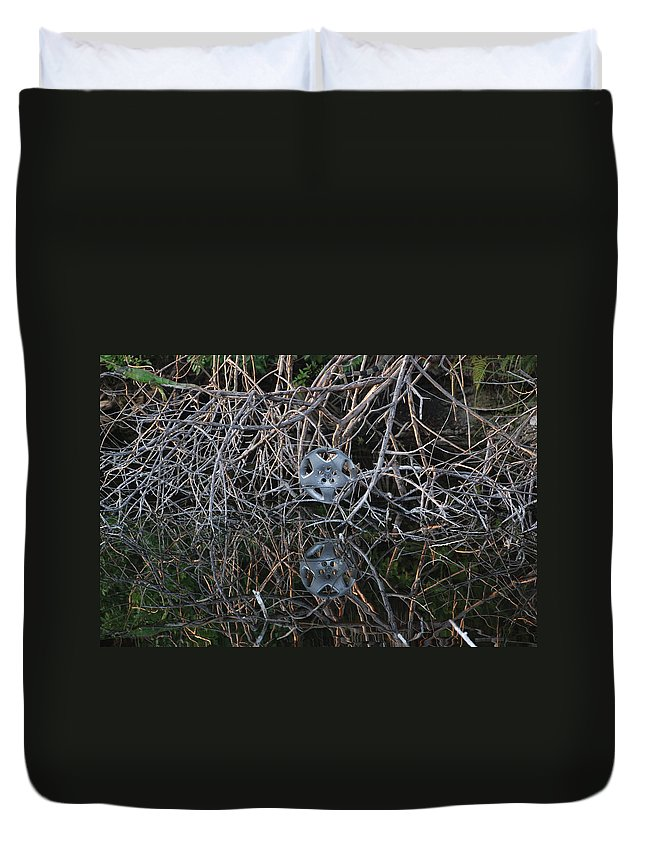 Hub Cap Duvet Cover featuring the photograph Hub In Reflection by Rob Hans
