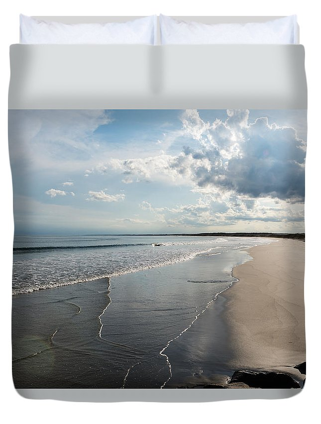 Huntington Beach Duvet Cover featuring the photograph Huntington Beach State Park I by Ivo Kerssemakers