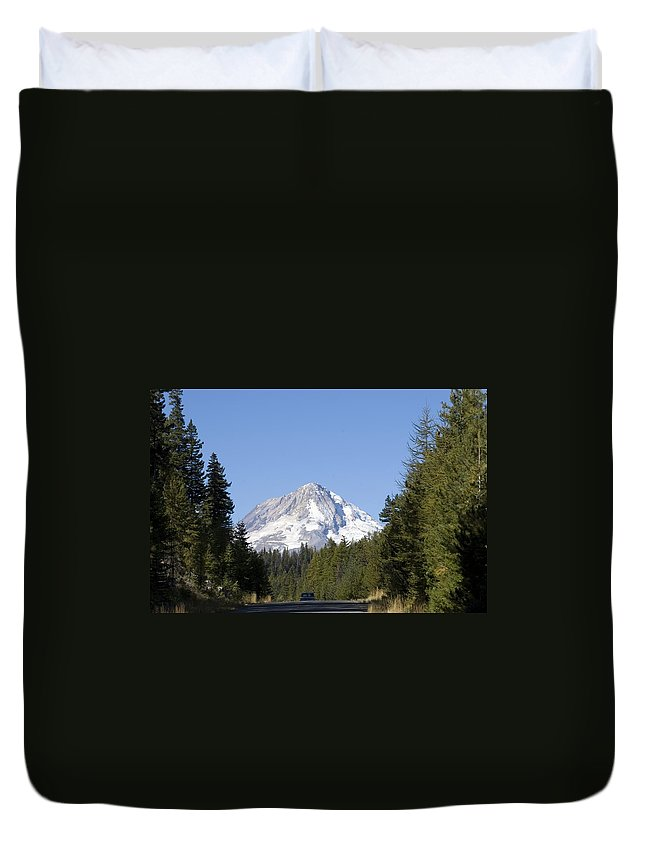 Highway 26 Duvet Cover featuring the photograph Hwy 26 by Sara Stevenson