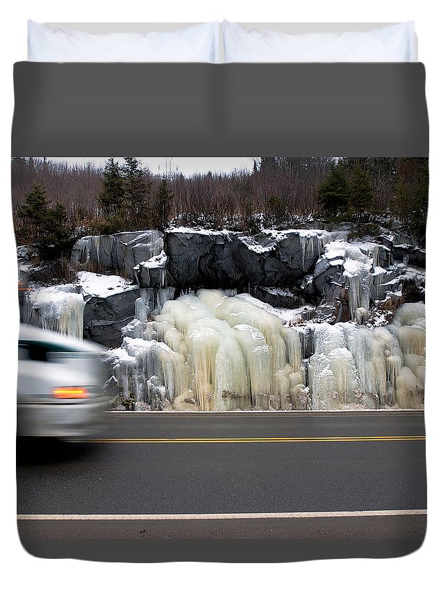 Hwy Duvet Cover featuring the photograph Hwy Ice  by Doug Gibbons