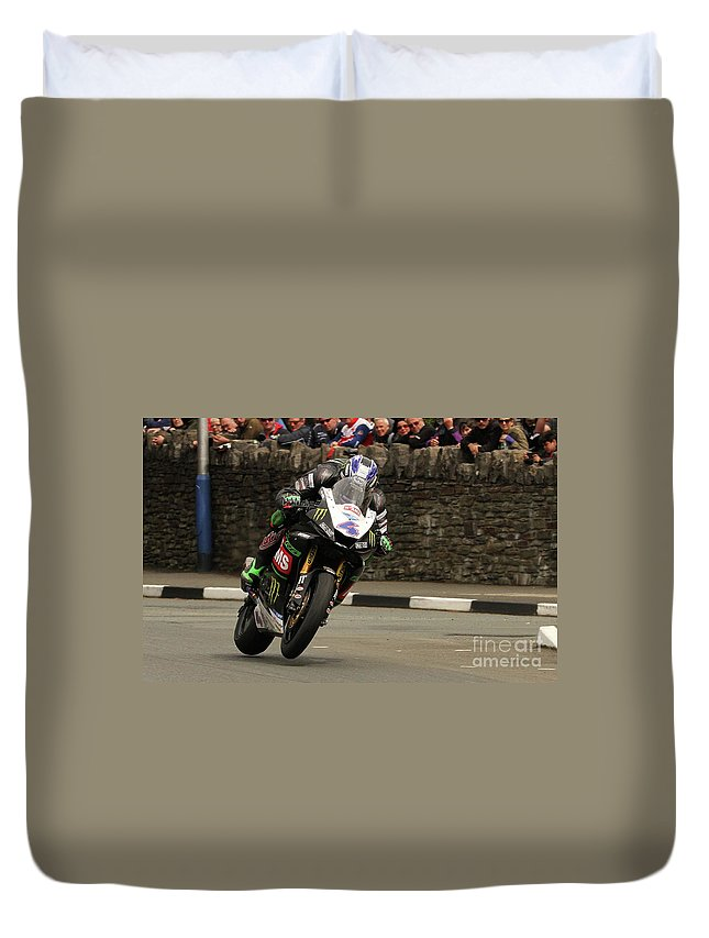 Motorbike Racing Duvet Cover featuring the photograph Ian Hutchinson 3 by Richard Norton Church
