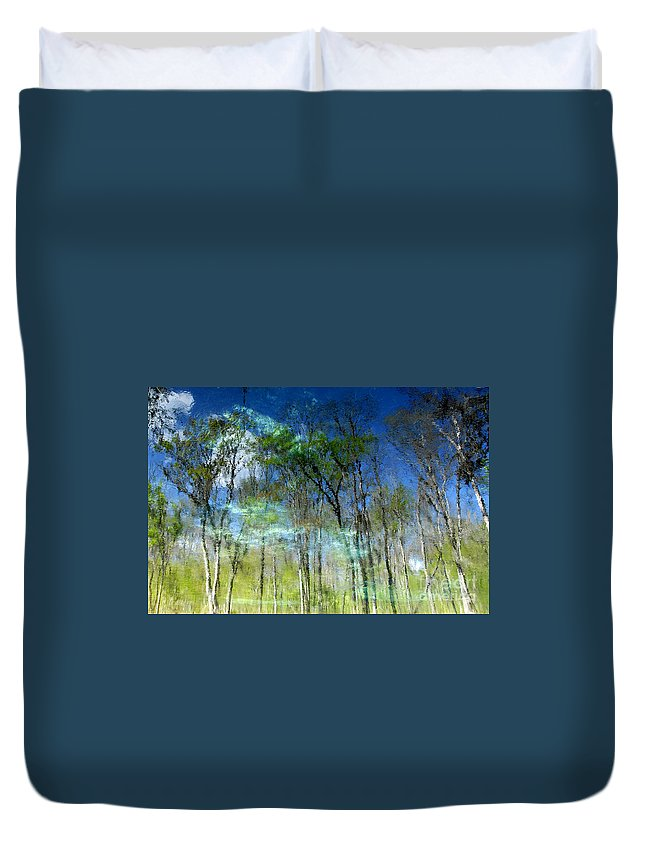 River Duvet Cover featuring the photograph Ichetucknee Reflections by David Lee Thompson