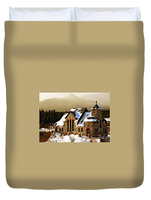 Americana Duvet Cover featuring the photograph Icicles by Marilyn Hunt