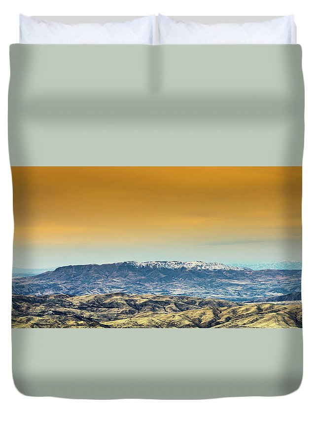 Bare Trees Duvet Cover featuring the photograph Idaho Landscape No. 2 by Paul Thompson