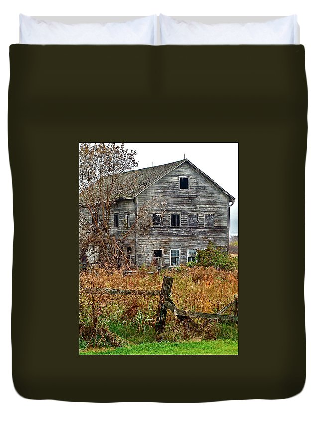 Country Duvet Cover featuring the photograph If It Could Talk by Diana Hatcher