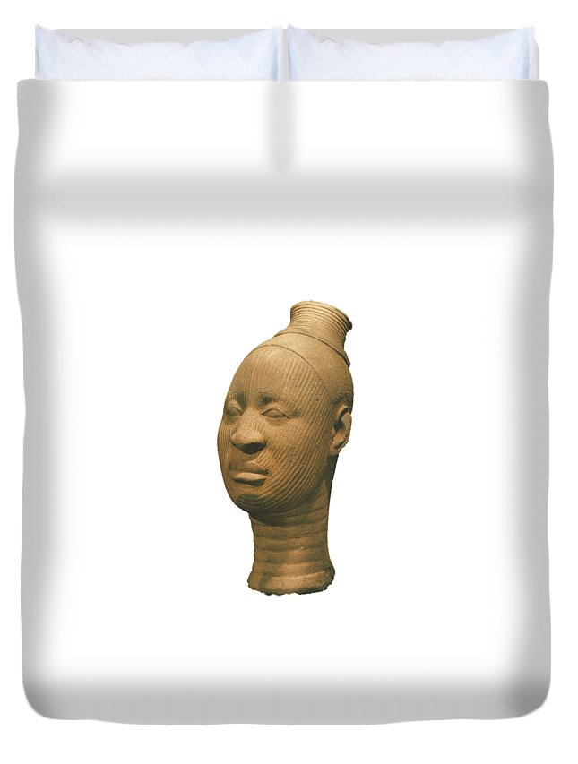 Terraccotta Head Of A Female From Ife Duvet Cover featuring the photograph Ife 6 by Chinazor Onianwah