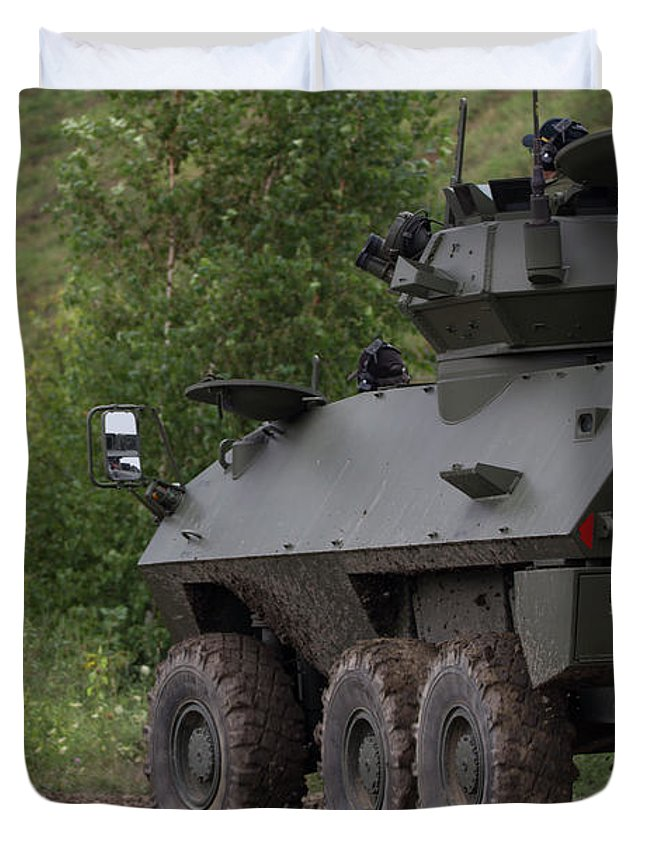 Military Duvet Cover featuring the photograph In A Corner - Cougar Avgp by Spencer Bush
