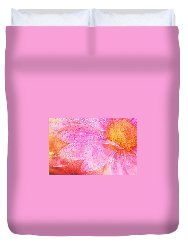 Flower Pink Digital Painting Art Design Macro Bubbles Duvet Cover featuring the photograph In The Pink by Linda Sannuti