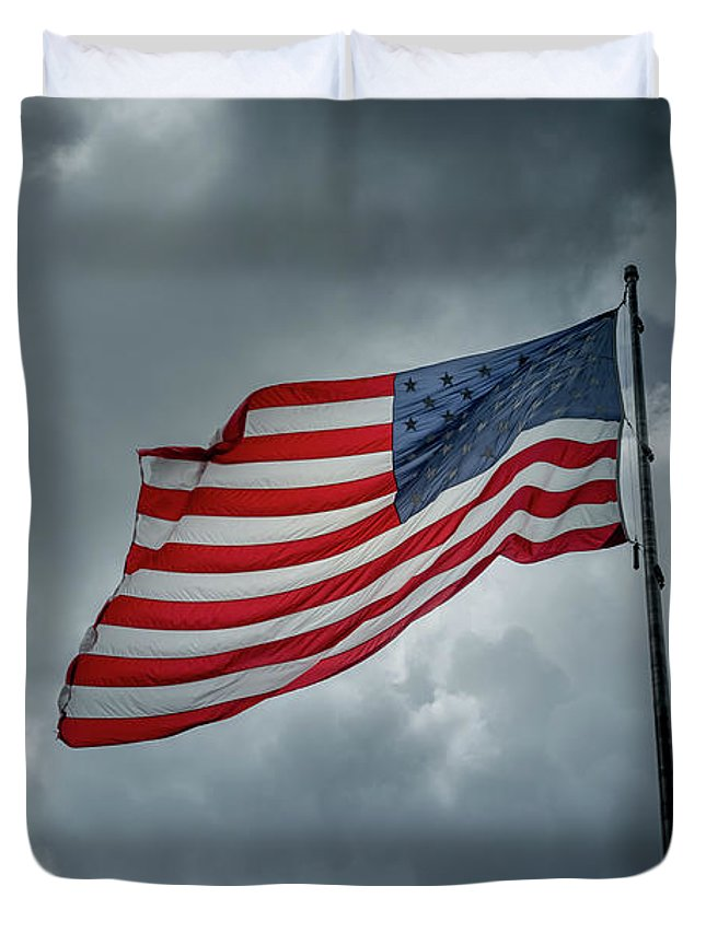 Usa Duvet Cover featuring the photograph In The Sky by Marco Zottich