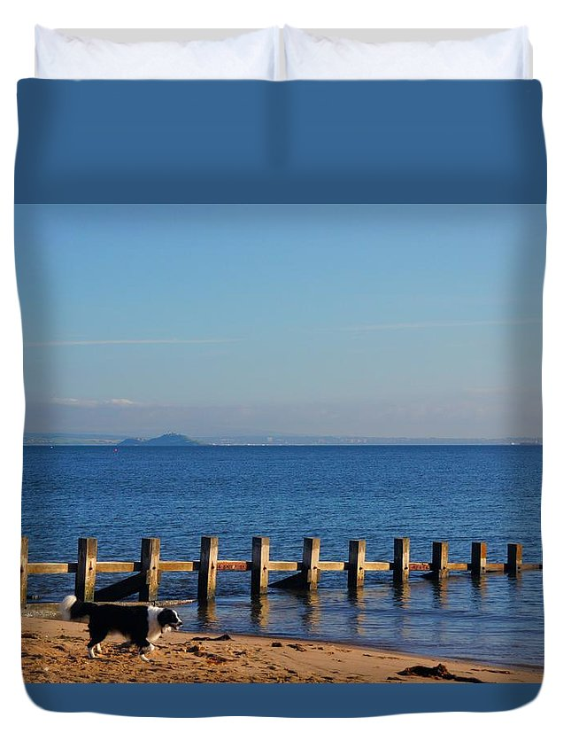 Nik Watt Duvet Cover featuring the photograph Inchkeith And Brodie by Nik Watt