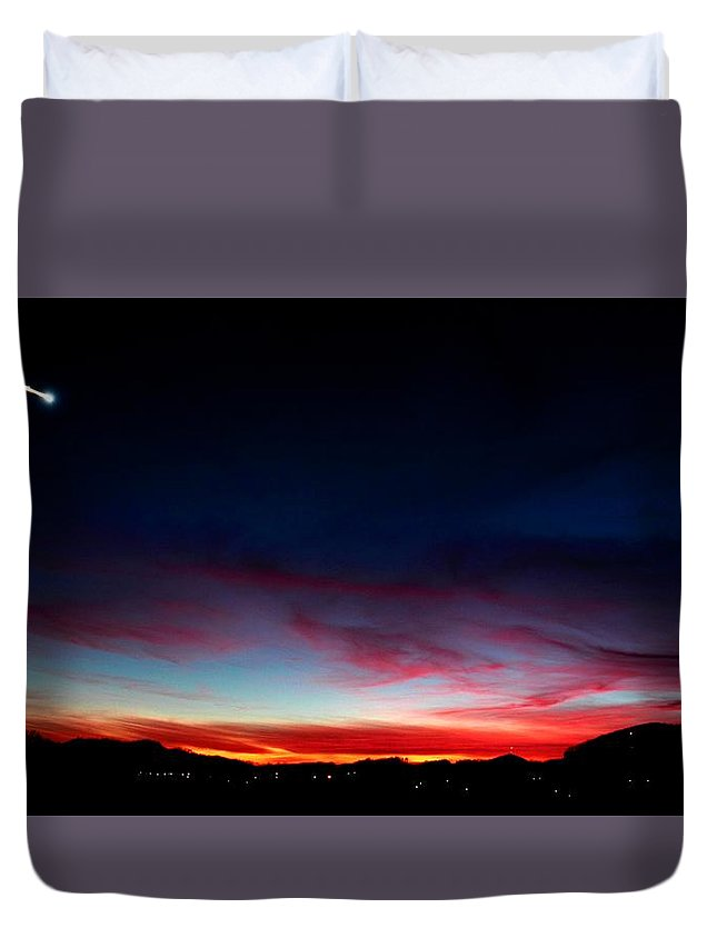 Meteor Duvet Cover featuring the photograph Incoming by Paul Mays