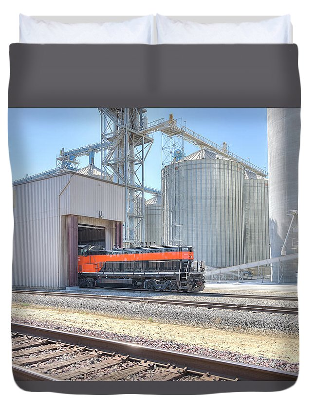 5405 Duvet Cover featuring the photograph Industrial Switcher 5405 by Jim Thompson